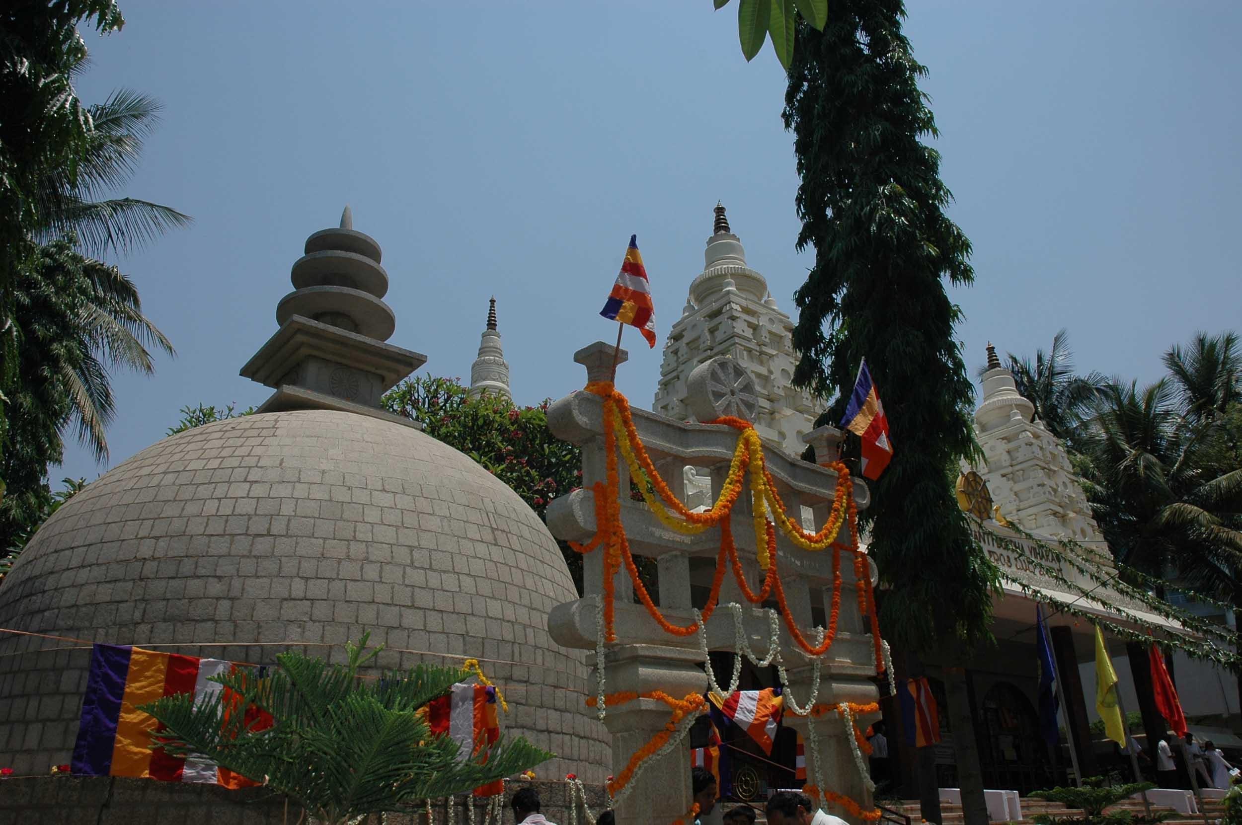 vesakha-buddha-jayanti-mahabodhi-blr-2007 (10)