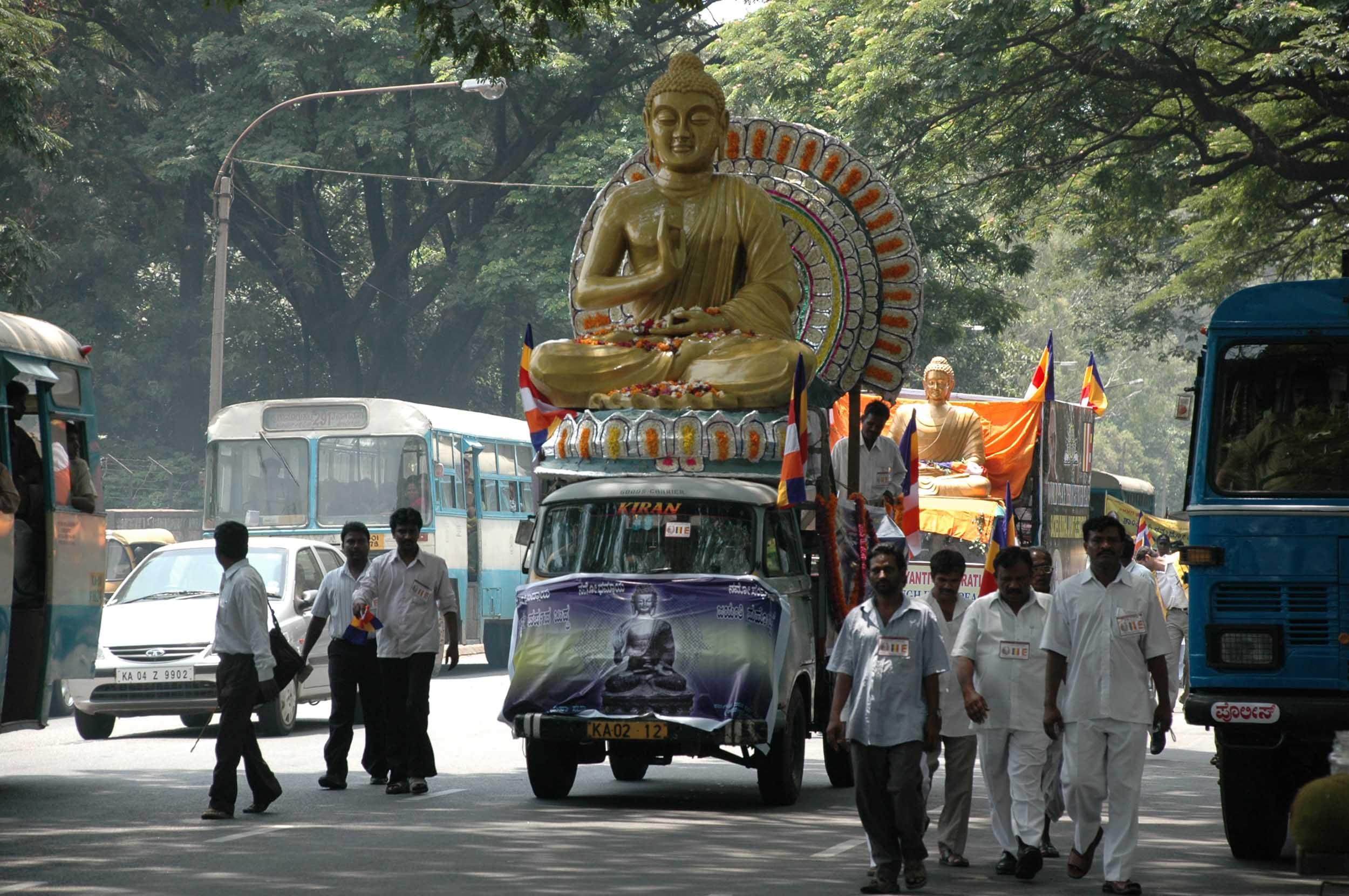 vesakha-buddha-jayanti-mahabodhi-blr-2007 (26)